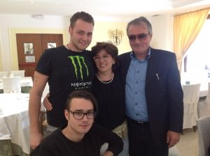 Michael con i familiari e i coniugi Chianelli