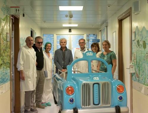 Una taxi barella per i piccoli pazienti del reparto di Oncoematologia pediatrica